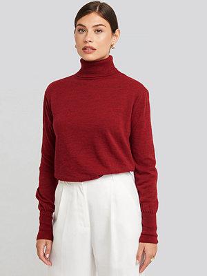 NA-KD High Neck Balloon Sleeve Sweater röd