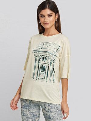 T-shirts - NA-KD Trend Printed Viscose Tee vit