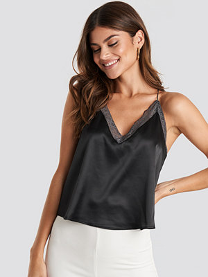 Linnen - NA-KD Trend Contrast Lace Satin Cami Top svart