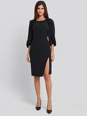 NA-KD Trend Puff Sleeve Side Split Midi Dress svart