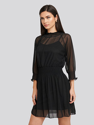 Trendyol Mini Mesh Dress svart