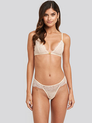 NA-KD Lingerie High Cut Lace Panty vit