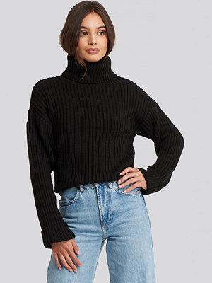 NA-KD Ribbed Knitted Turtleneck Sweater svart