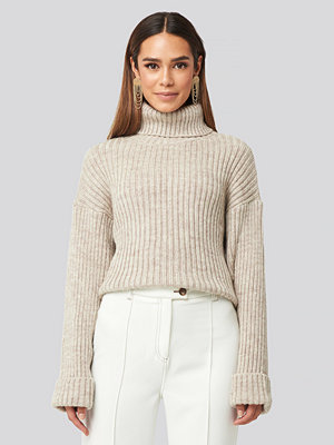 Tröjor - NA-KD Ribbed Knitted Turtleneck Sweater beige