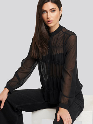 NA-KD Boho Gatherings Detail Chiffon Shirt svart