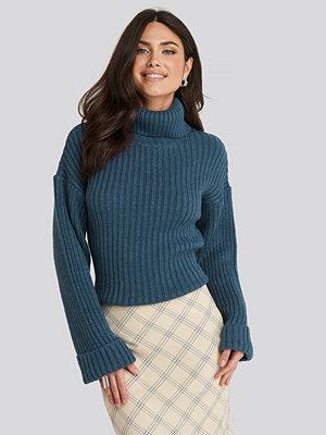 NA-KD Ribbed Knitted Turtleneck Sweater blå