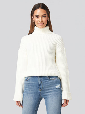 Tröjor - NA-KD Ribbed Knitted Turtleneck Sweater vit