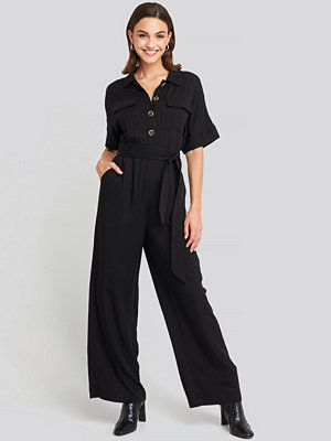 NA-KD Chest Pocket Buttoned Jumpsuit svart