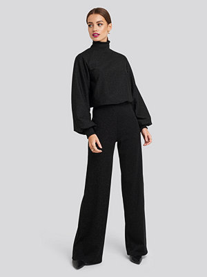 NA-KD svarta byxor High Waist Wide Leg Lurex Pants svart