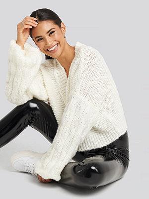 Gerda x NA-KD Bulky Sleeve Heavy Knit Sweater vit