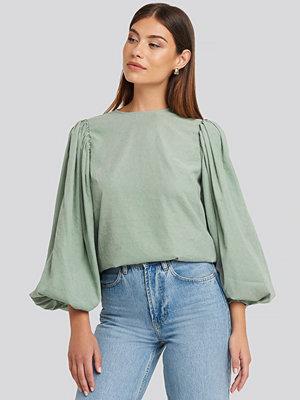 NA-KD Trend Puff Sleeve Round Neck Top grön