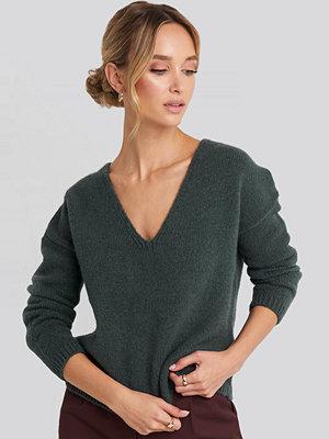 NA-KD V-Neck Drop Shoulder Sweater grön
