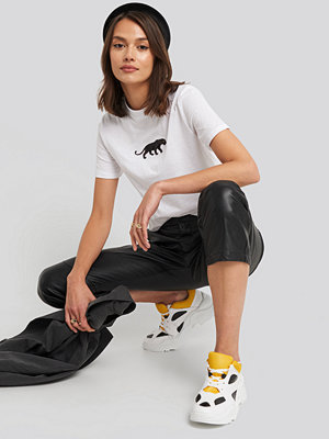 NA-KD Panther Wide Rib Basic Tee vit
