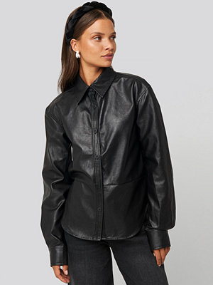 NA-KD Trend Pu Shirt svart