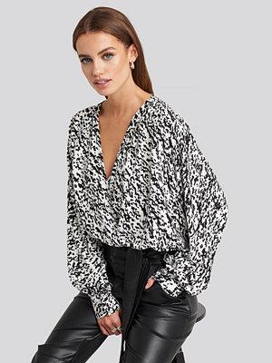 NA-KD Wrap Front Leopard Print Blouse multicolor