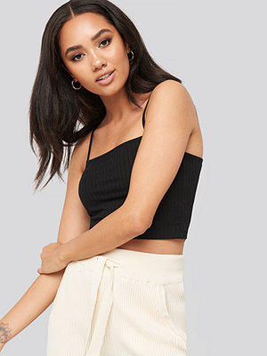 XLE the Label Caelynn rib crop singlet svart