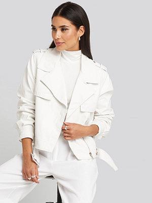 NA-KD Belted PU Jacket vit