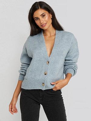 NA-KD Trend Cropped Oversized Cardigan blå