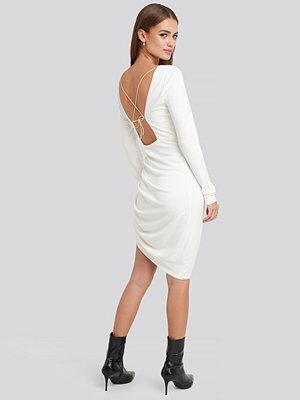 NA-KD Party Long Sleeve Open Back Jersey Dress vit