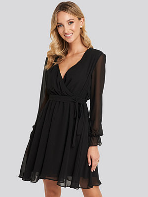 Trendyol Mesh Contrast Mini Dress svart