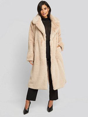 NA-KD Trend Soft Faux Fur Long Coat beige