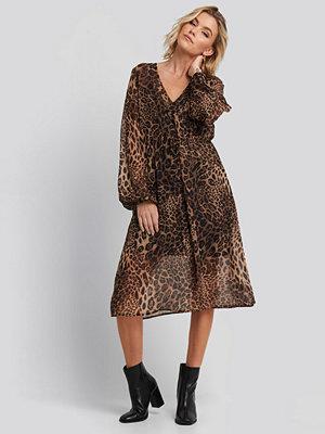 NA-KD Boho Leo Drawstring Dress brun