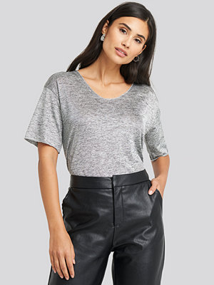 Trendyol V-Neck Loose Fit Tee grå