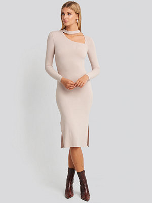 NA-KD Cut Out Ribbed Midi Dress lila