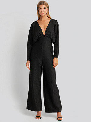 NA-KD Party Deep V Neck Batwing Lurex Jumpsuit svart