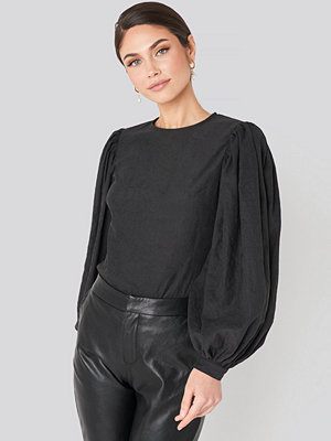 NA-KD Trend Puff Sleeve Round Neck Top svart