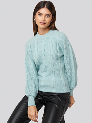 NA-KD Balloon Sleeve Cable Knitted Sweater blå