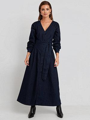 NA-KD Trend Long Sleeve Denim Dress blå