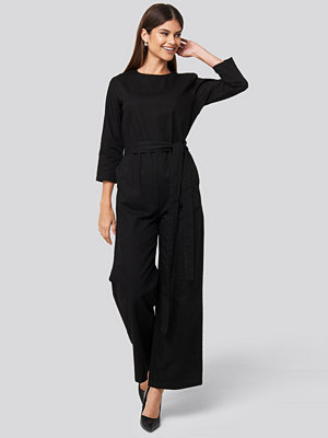 Jumpsuits & playsuits - NA-KD Trend Belted Waist Detail Jumpsuit svart