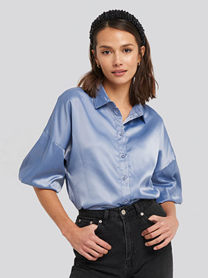 NA-KD Puff Sleeve Satin Blouse blå