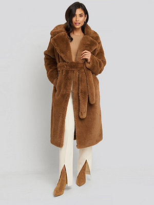 NA-KD Trend Soft Faux Fur Long Coat brun