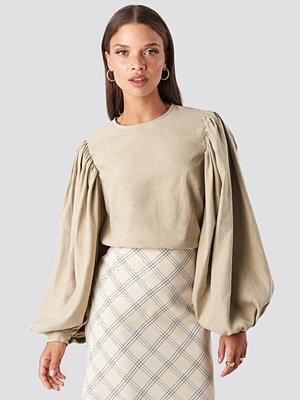NA-KD Trend Puff Sleeve Round Neck Top beige