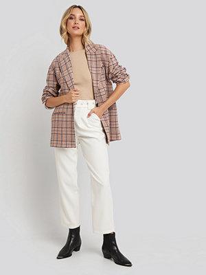 NA-KD Trend vita byxor Cropped Belted Pants vit