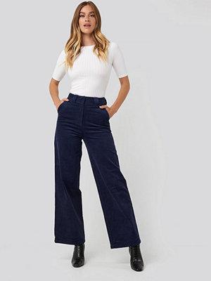 NA-KD Classic marinblå byxor Corduroy Wide Leg Suit Pants blå