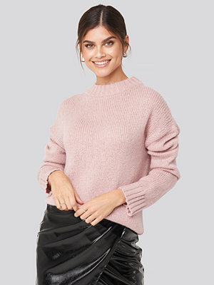 Adorable Caro x NA-KD Wide Rib Knitted Sweater rosa