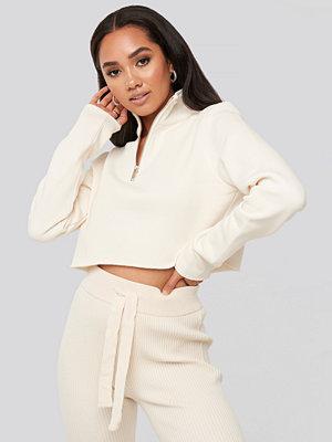 XLE the Label Mattie Crop Sweatshirt vit