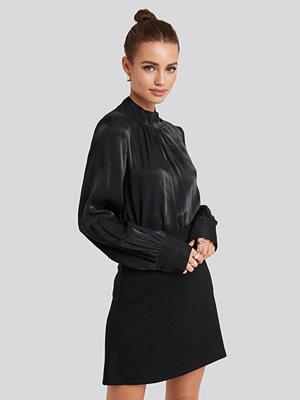 NA-KD Party High Waist A-Line Skirt svart