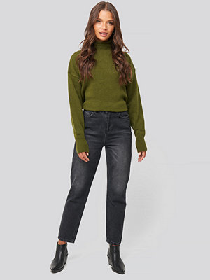 Trendyol Washed High Waist Mom Jeans svart