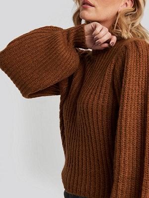 NA-KD Puff Sleeve Knitted Sweater brun