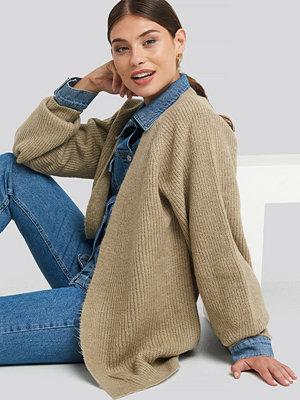 Cardigans - NA-KD Dropped Shoulder Knitted Cardigan beige