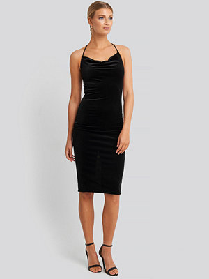 Trendyol Strap Neck Midi Dress svart
