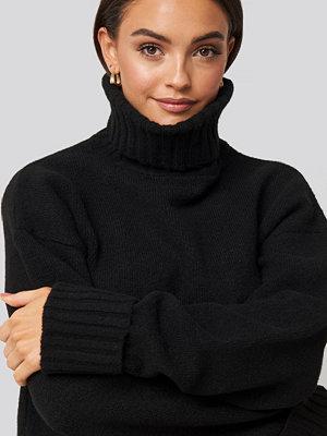 AFJ x NA-KD Folded Sleeve Oversize Sweater svart