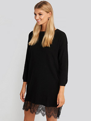 Trendyol Lace Detailed Sweater Dress svart
