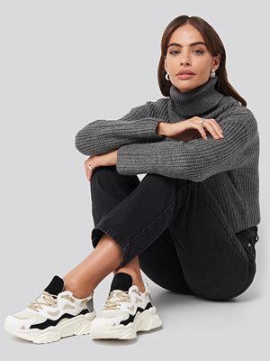Hannalicious x NA-KD Sporty Chunky Sole Sneakers svart vit beige
