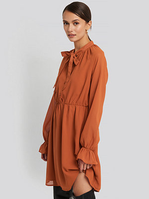 NA-KD Chiffon buttoned Dress orange