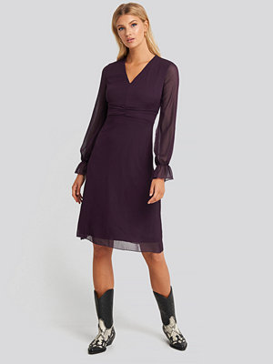 Festklänningar - Trendyol Waist Pleated Midi Dress lila